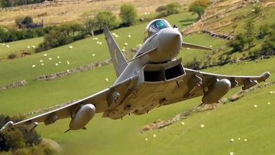 Eurofighter typhoon - low level flying under the radar